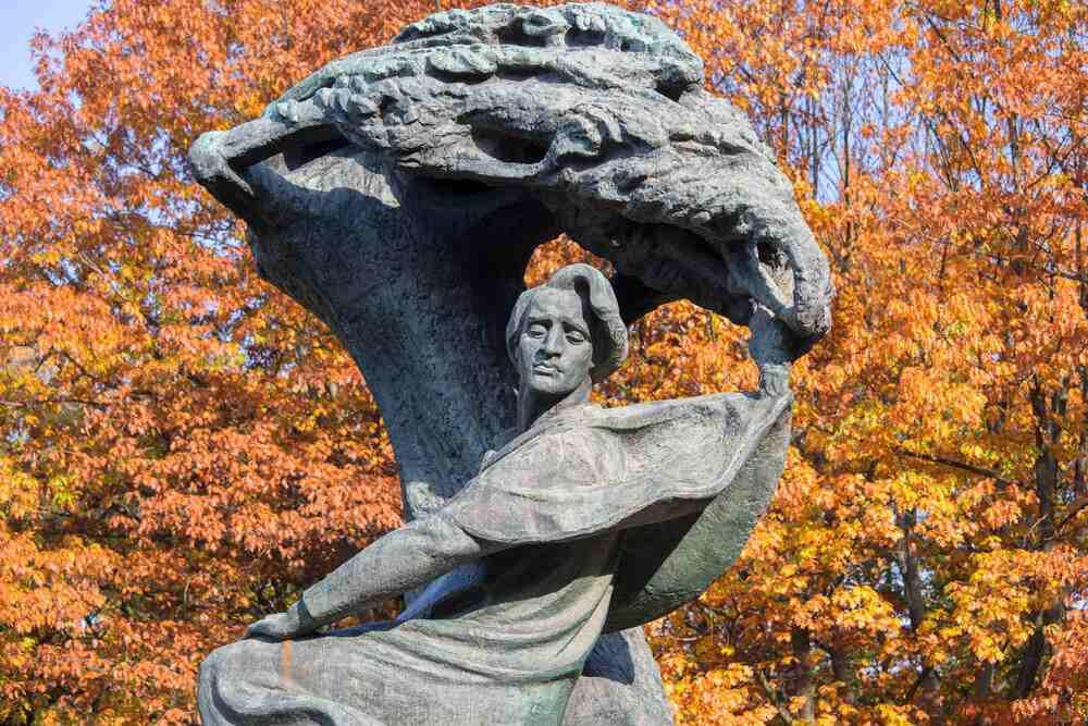 Co zwiedzić w stolicy - Pomnik Fryderyka Chopina