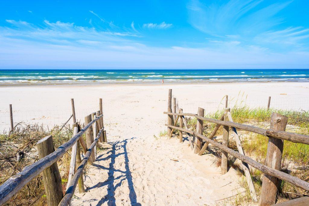 Dębki plaża bez zgiełku