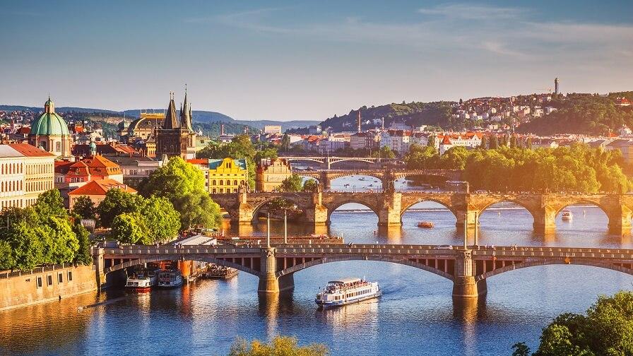 Gdzie na wakacje 2019? 4 wyjątkowe kierunki na wczasy - Czechy