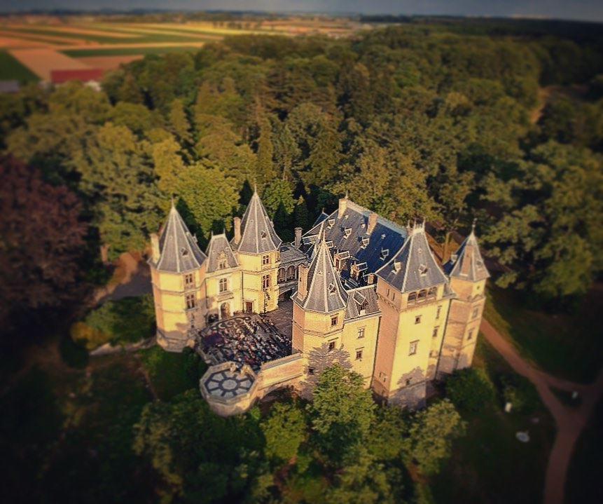 Zamek w Gołuchowie z lotu ptaka Fot. mrcytryna