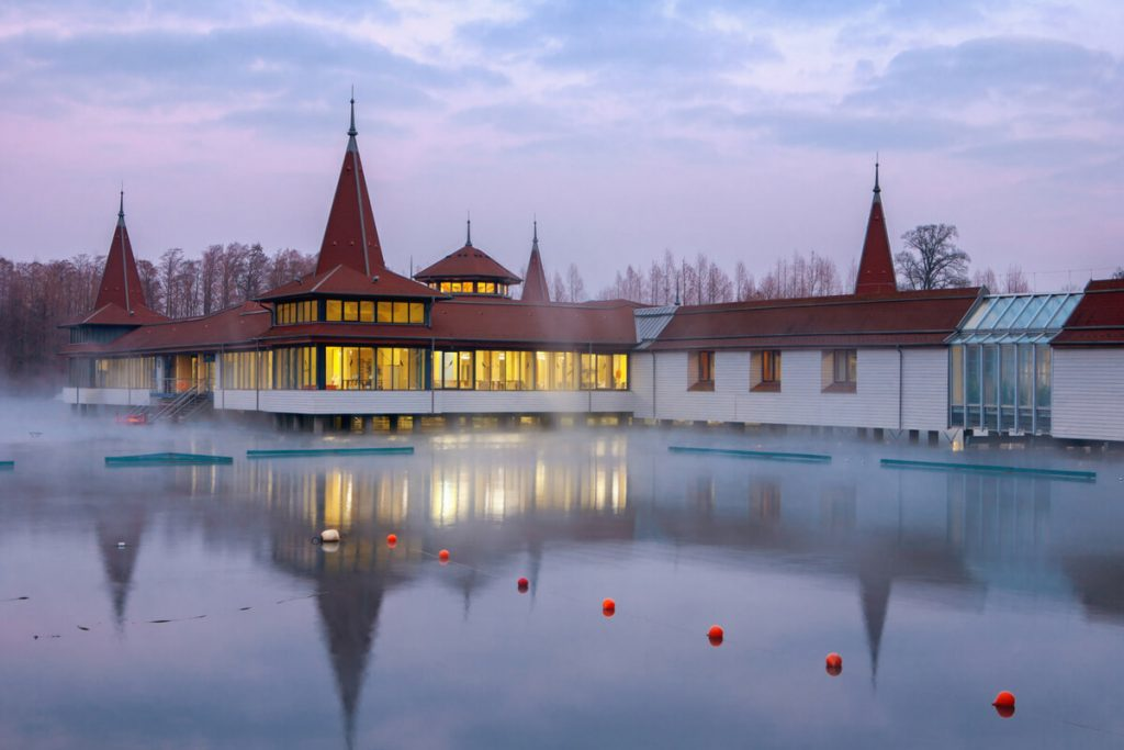 Baseny termalne Węgry