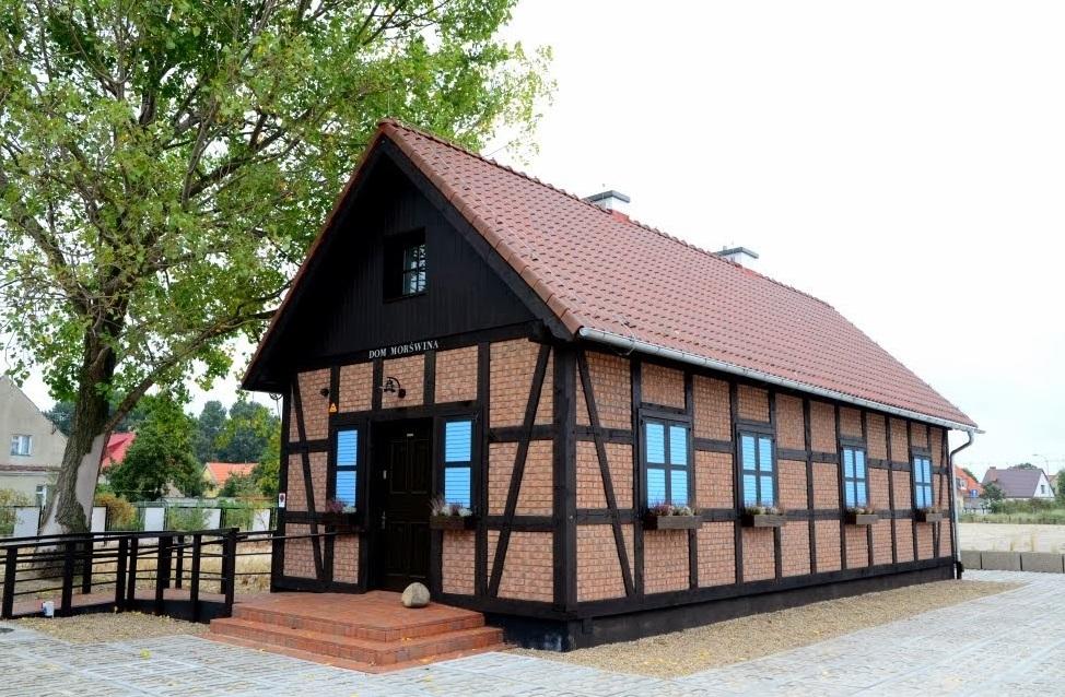 Dom Morświna w Helu / źródło: www.popiasku.pl