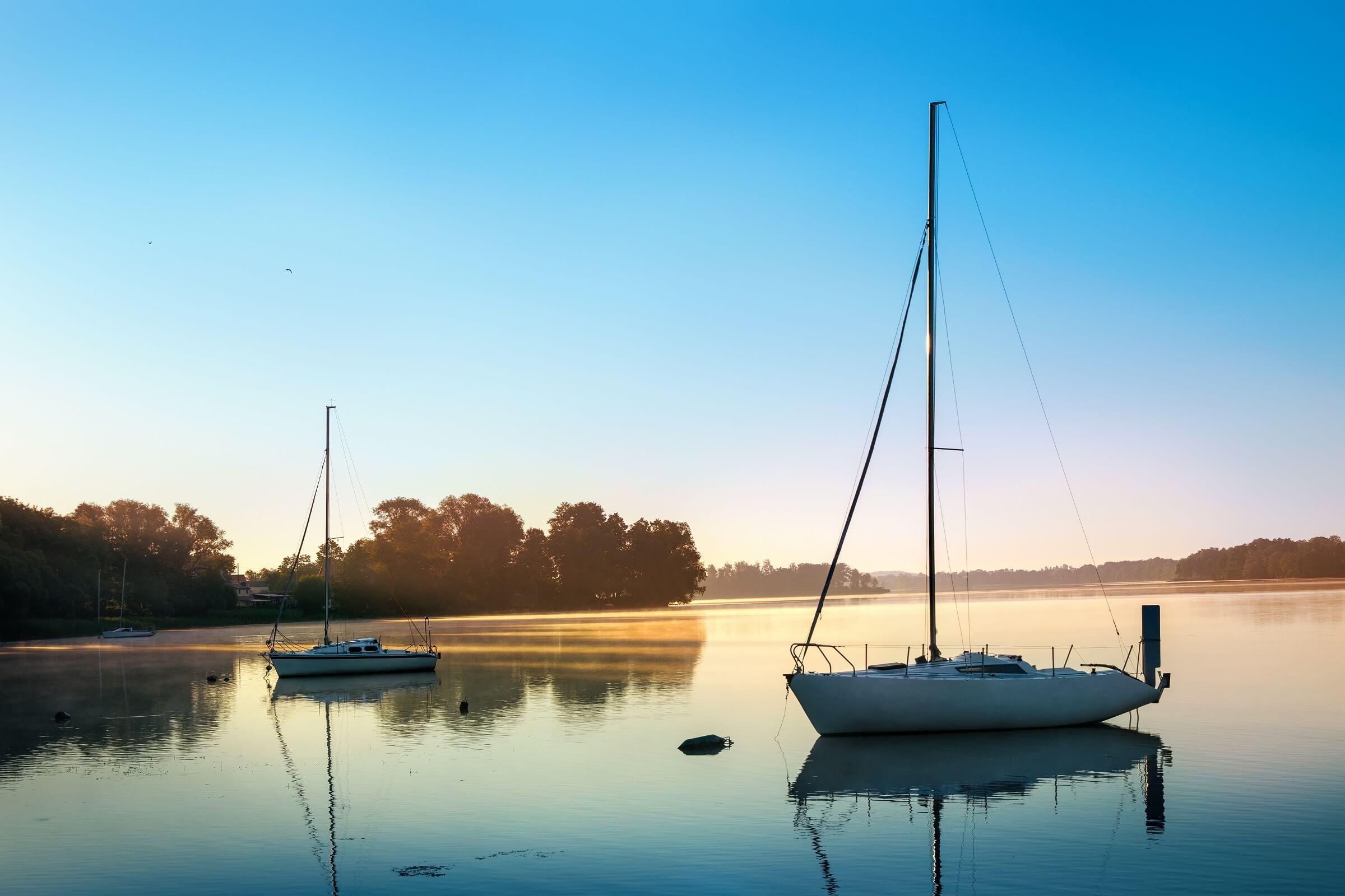 Pomysł na wyjazd na weekend - klimatyczne domki nad jeziorem
