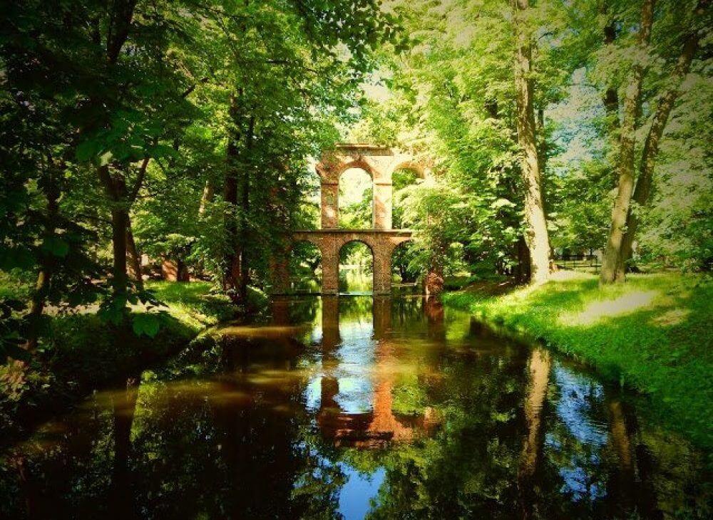 Najciekawsze miejsca w Polsce: Park Romantyczny w Arkadii /źródło: Mapa Kadrów