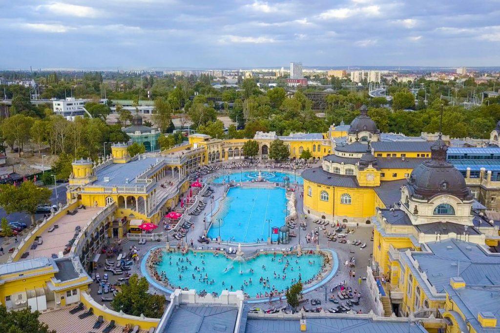 TOP 5 - najlepsze węgierskie baseny termalne