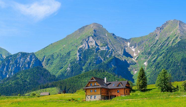 10 pięknych obiektów noclegowych z widokiem na góry
